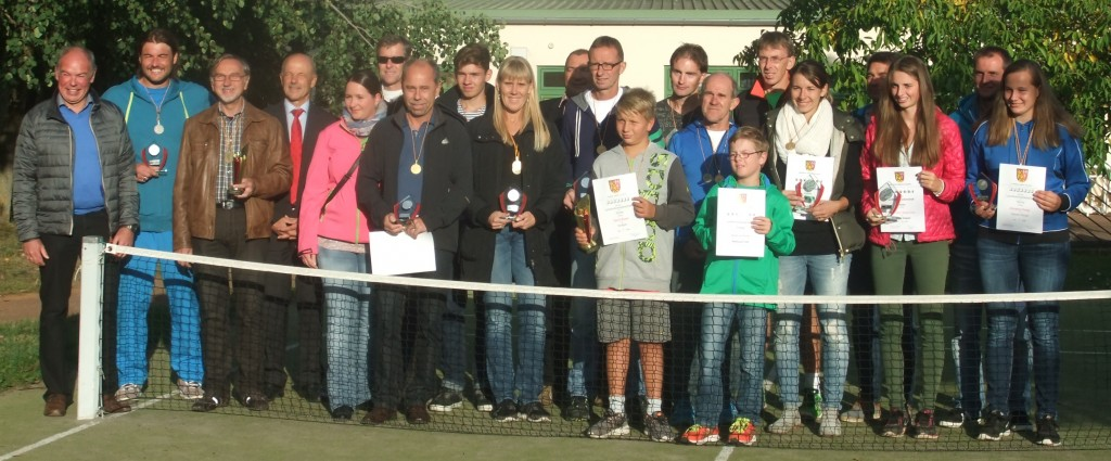 Siegerfoto Tennis-Landkreismeisterschaft 2015a